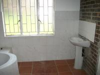 Main Bathroom - 9 square meters of property in Groblerpark