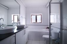 Main Bathroom of property in Willow Acres Estate