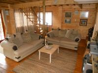 Lounges - 34 square meters of property in Hibberdene