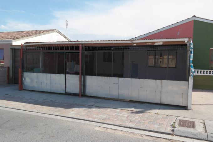 3 Bedroom House For Sale in Mitchells Plain - Home Sell - MR126176