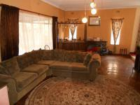Lounges - 38 square meters of property in Rhodesfield