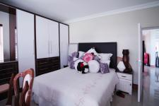 Bed Room 1 - 50 square meters of property in Willow Acres Estate