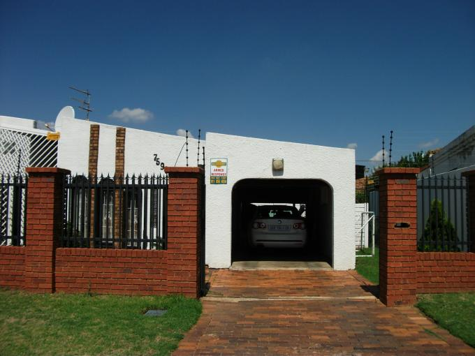 3 Bedroom House for Sale For Sale in Lenasia - Home Sell - MR126185