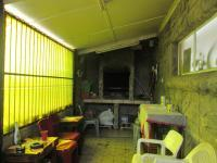 Patio - 15 square meters of property in South Hills