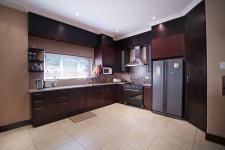 Kitchen - 26 square meters of property in Willow Acres Estate
