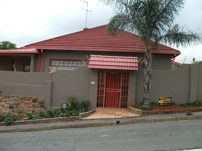 Standard Bank EasySell 3 Bedroom House for Sale For Sale in Kensington B - JHB - MR126296