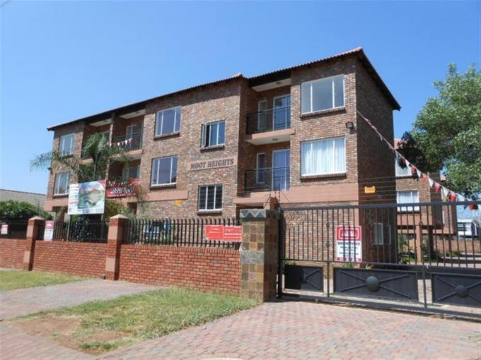 2 Bedroom Cluster For Sale in Daspoort - Home Sell - MR126325