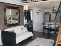 Lounges - 35 square meters of property in Muizenberg