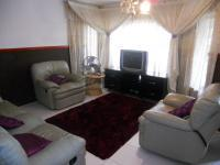 Lounges - 20 square meters of property in Nagina