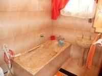 Bathroom 1 - 5 square meters of property in Nagina