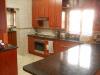 Kitchen - 13 square meters of property in Rayton