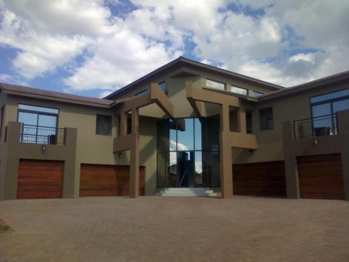 8 Bedroom House for Sale For Sale in Bloemfontein - Private Sale - MR126483