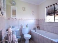 Bathroom 1 - 6 square meters of property in The Meadows Estate