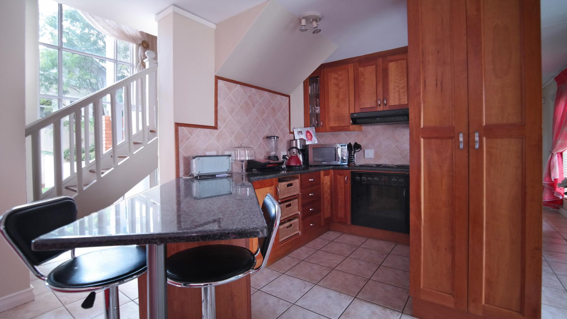 Kitchen - 19 square meters of property in Woodlands Estate
