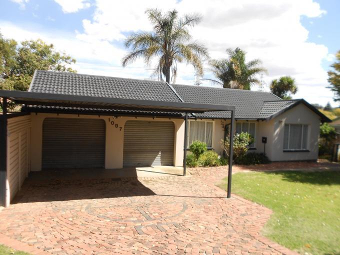 4 Bedroom House for Sale For Sale in Wilgeheuwel  - Home Sell - MR126557