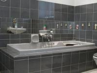 Main Bathroom - 9 square meters of property in Wilgeheuwel