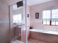 Bathroom 2 - 4 square meters of property in Boardwalk Meander Estate