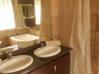 Main Bathroom - 13 square meters of property in Hartbeespoort
