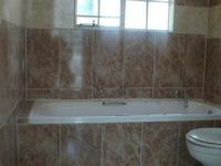Bathroom 1 - 4 square meters of property in Bloubosrand