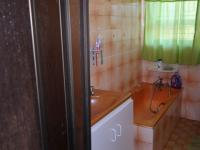 Bathroom 1 - 12 square meters of property in Cravenby