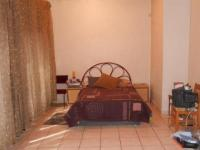 Main Bedroom - 34 square meters of property in Dalview