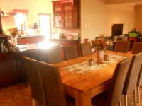 Dining Room - 13 square meters of property in Bronberrik