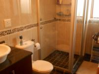 Bathroom 2 - 7 square meters of property in Bronberrik