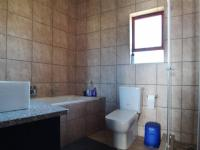 Bathroom 1 - 6 square meters of property in Heron Hill Estate