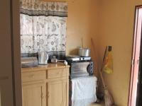 Kitchen - 9 square meters of property in Tsakane