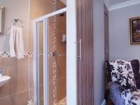 Bathroom 1 - 9 square meters of property in The Meadows Estate