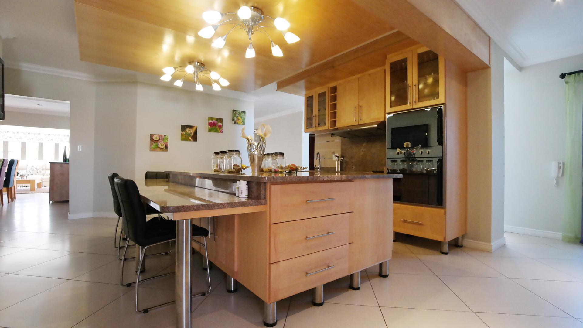 Kitchen - 39 square meters of property in The Wilds Estate
