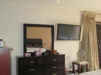 Main Bedroom - 39 square meters of property in Vaalpark