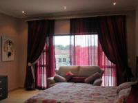 Bed Room 2 - 32 square meters of property in Vaalpark
