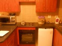 Kitchen - 10 square meters of property in Heuweloord