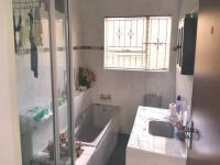 Bathroom 2 - 9 square meters of property in Newclare