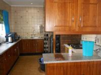 Kitchen - 26 square meters of property in Norkem park