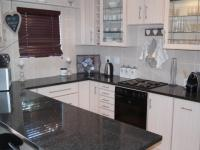 Kitchen - 11 square meters of property in Brackenfell