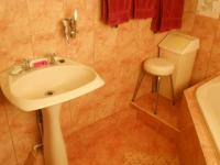 Main Bathroom - 18 square meters of property in Centurion Central (Verwoerdburg Stad)