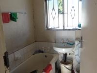 Main Bathroom of property in Meriting unit 3