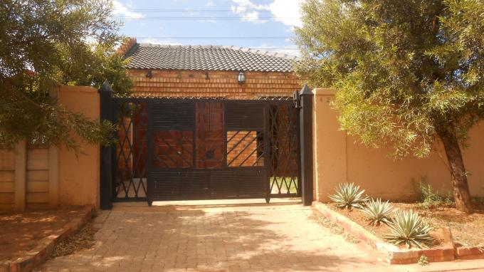 3 Bedroom House for Sale For Sale in Soshanguve - Home Sell - MR127168