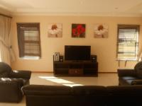 Lounges - 81 square meters of property in Raslouw