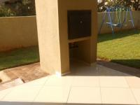 Patio - 18 square meters of property in Raslouw