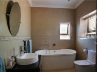Bathroom 1 - 11 square meters of property in Silver Lakes Golf Estate