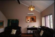 Lounges - 69 square meters of property in Tongaat