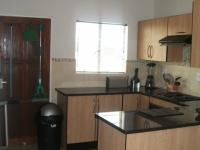 Kitchen - 9 square meters of property in Zandspruit