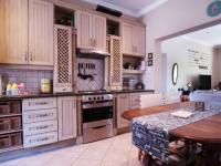 Kitchen - 17 square meters of property in Willow Acres Estate