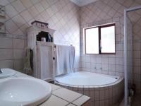 Main Bathroom - 7 square meters of property in Willow Acres Estate