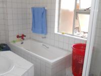 Bathroom 1 - 7 square meters of property in Wyebank