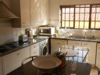 Kitchen - 22 square meters of property in Dainfern Ridge