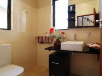 Bathroom 1 - 9 square meters of property in Silver Stream Estate